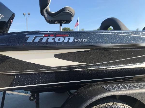 2021 Triton boat for sale, model of the boat is 18 TRX & Image # 4 of 15