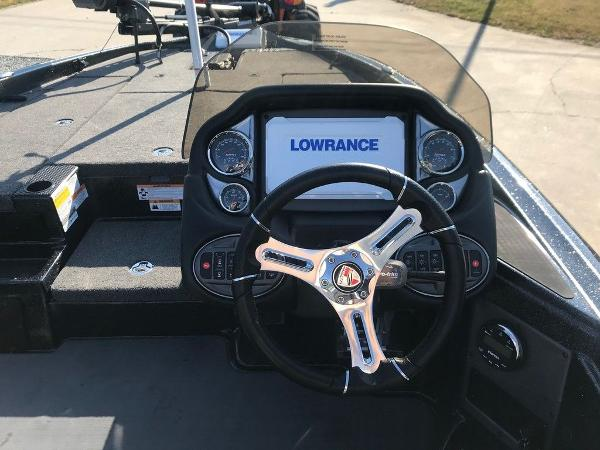 2021 Triton boat for sale, model of the boat is 18 TRX & Image # 5 of 15