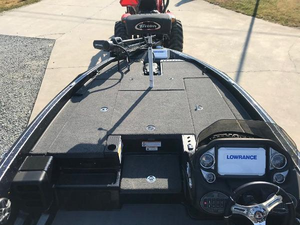 2021 Triton boat for sale, model of the boat is 18 TRX & Image # 7 of 15