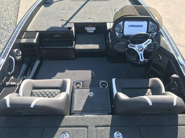 2021 Triton boat for sale, model of the boat is 18 TRX & Image # 8 of 15
