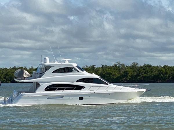 2009 HATTERAS 64 Motor Yacht