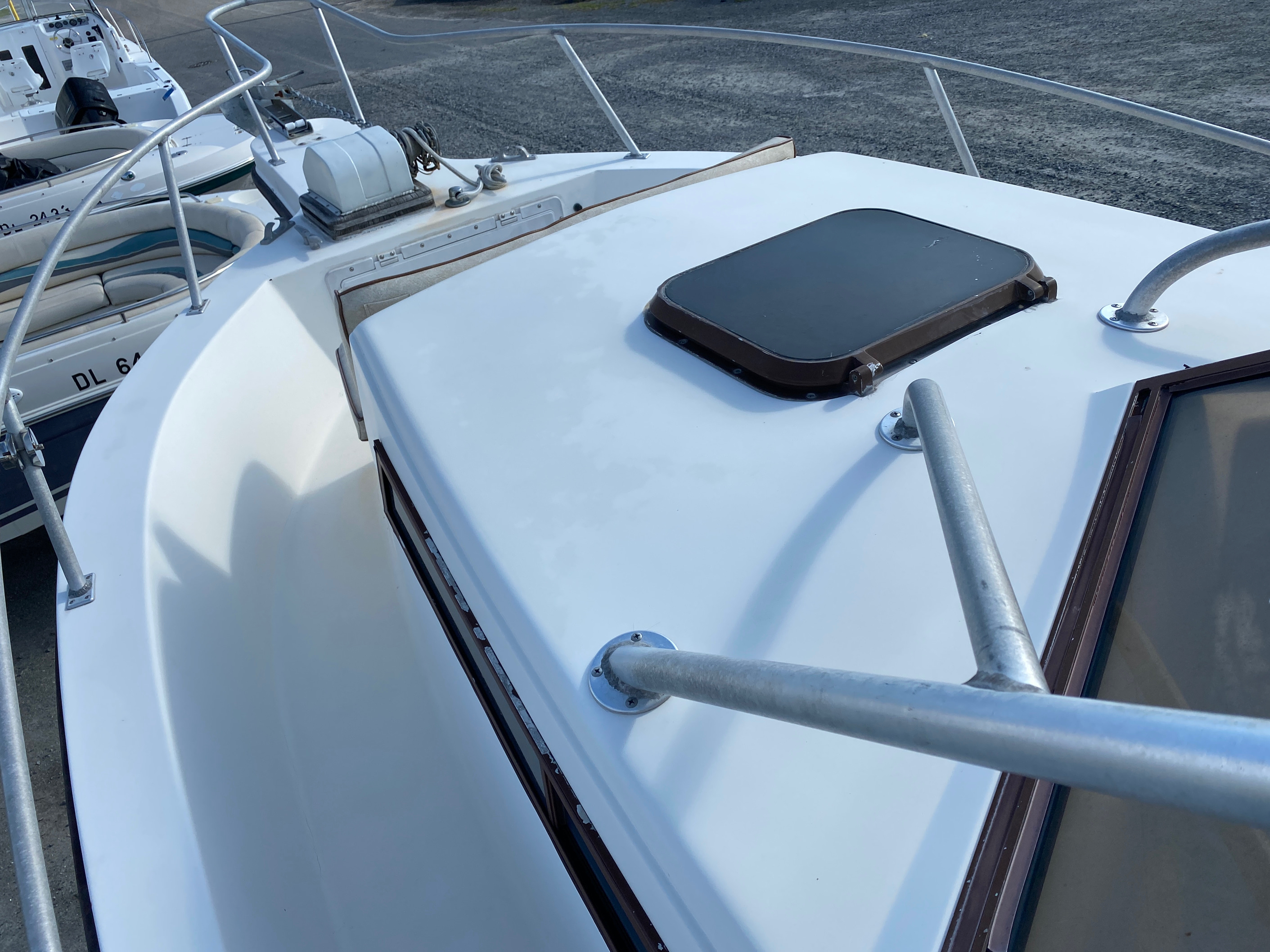 1998 Mako boat for sale, model of the boat is 260 Walkaround & Image # 6 of 15