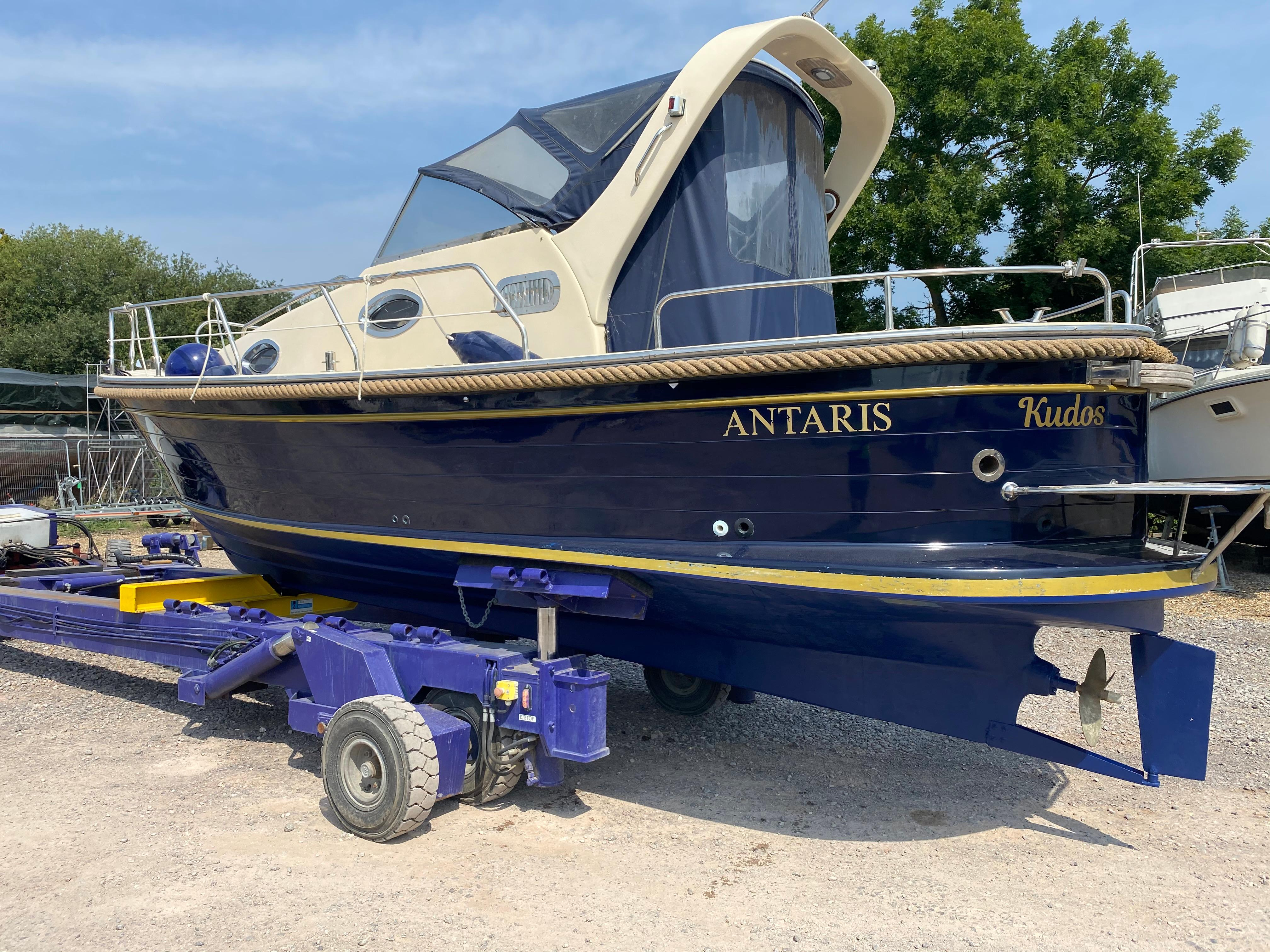 2000 Antaris Cabinato 750