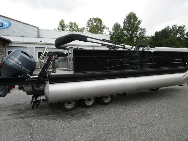 2021 Godfrey Pontoon boat for sale, model of the boat is SW 2286 SFL GTP 27 in. & Image # 10 of 38