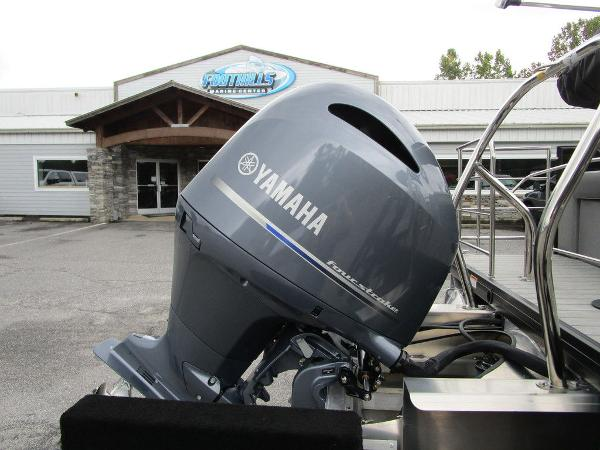 2021 Godfrey Pontoon boat for sale, model of the boat is SW 2286 SFL GTP 27 in. & Image # 17 of 38