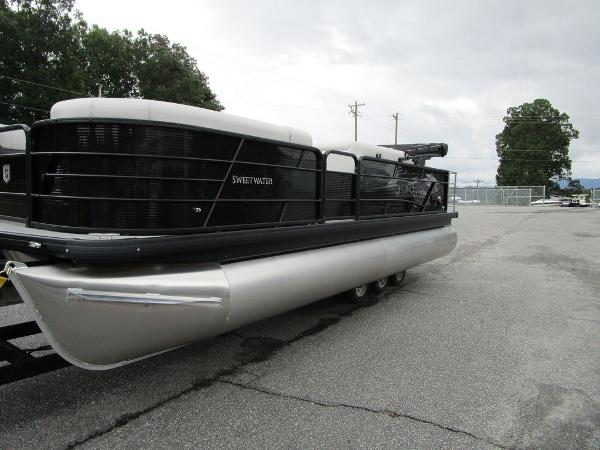 2021 Godfrey Pontoon boat for sale, model of the boat is SW 2286 SFL GTP 27 in. & Image # 21 of 38