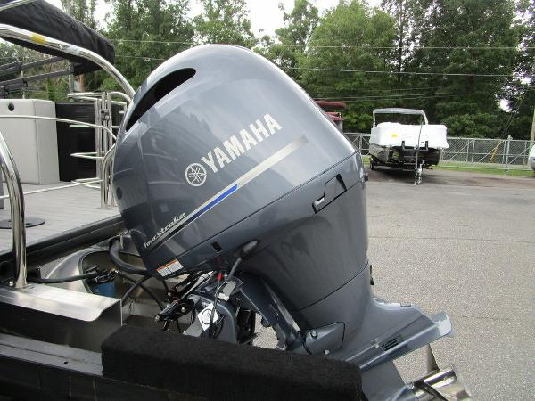 2021 Godfrey Pontoon boat for sale, model of the boat is SW 2286 SFL GTP 27 in. & Image # 27 of 38