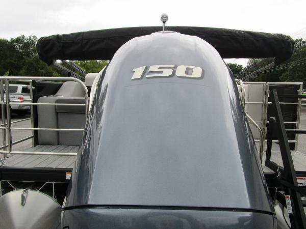 2021 Godfrey Pontoon boat for sale, model of the boat is SW 2286 SFL GTP 27 in. & Image # 30 of 38