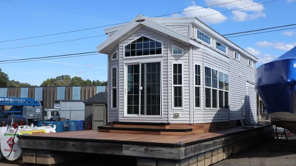 2015 Woodland Park Floating Cottage