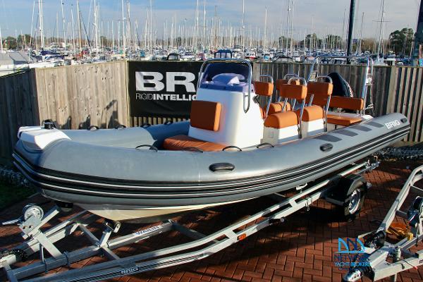 Custom Navigator 610