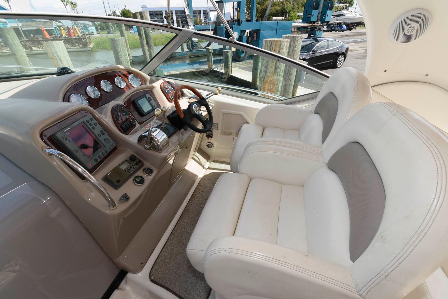 M 6463 KN Knot 10 Yacht Sales