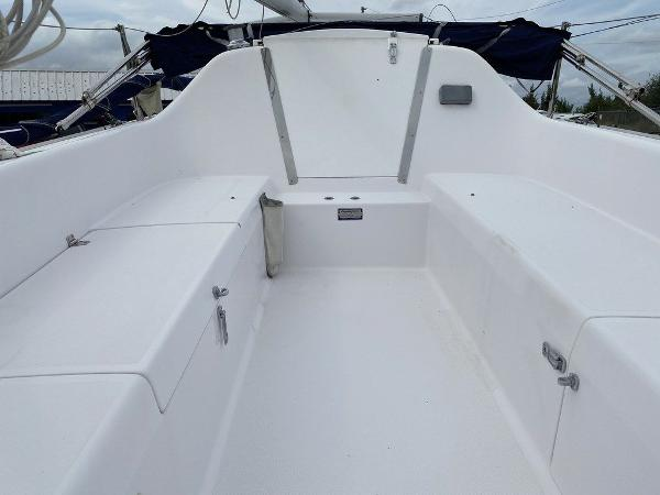 2016 Catalina Yachts boat for sale, model of the boat is 22 & Image # 7 of 8