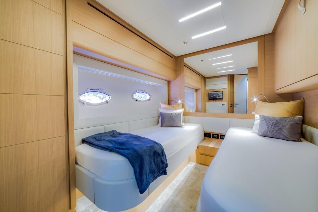 2016 Pershing 74 - Guest