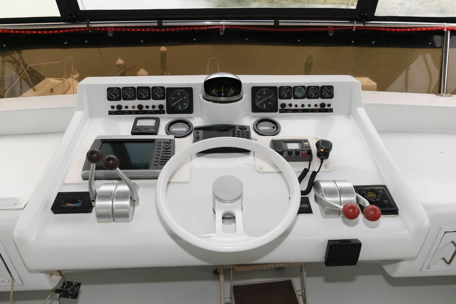 M 6535 JP Knot 10 Yacht Sales