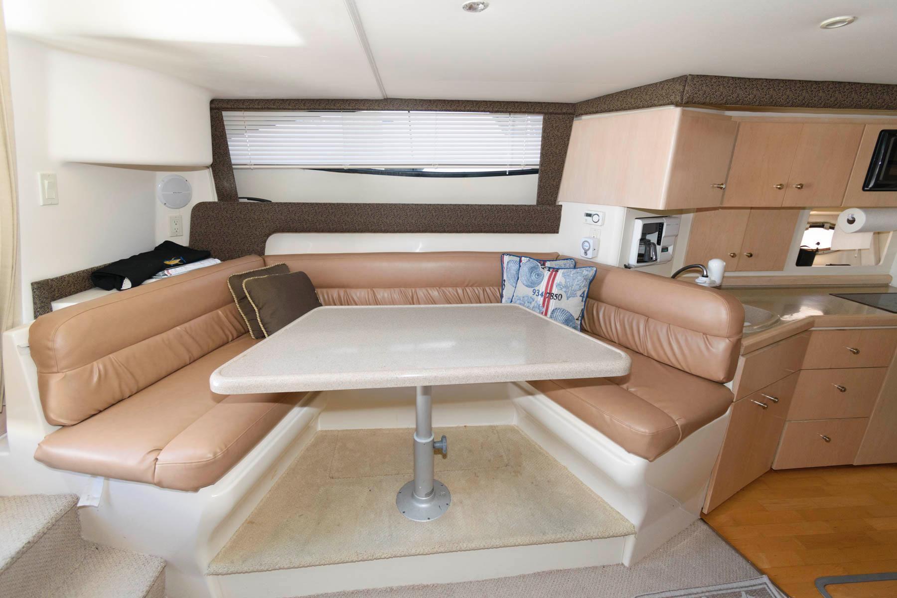 M 6231 JP Knot 10 Yacht Sales