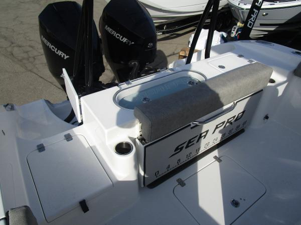 2021 Sea Pro boat for sale, model of the boat is 259 DLX & Image # 5 of 29