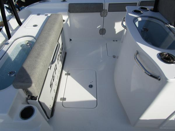 2021 Sea Pro boat for sale, model of the boat is 259 DLX & Image # 6 of 29