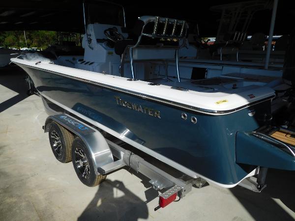 2022 Tidewater 2110 T bay max