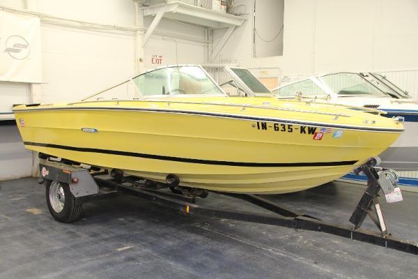 1972 Sea Ray SRV 180 Closed Bow thumbnail