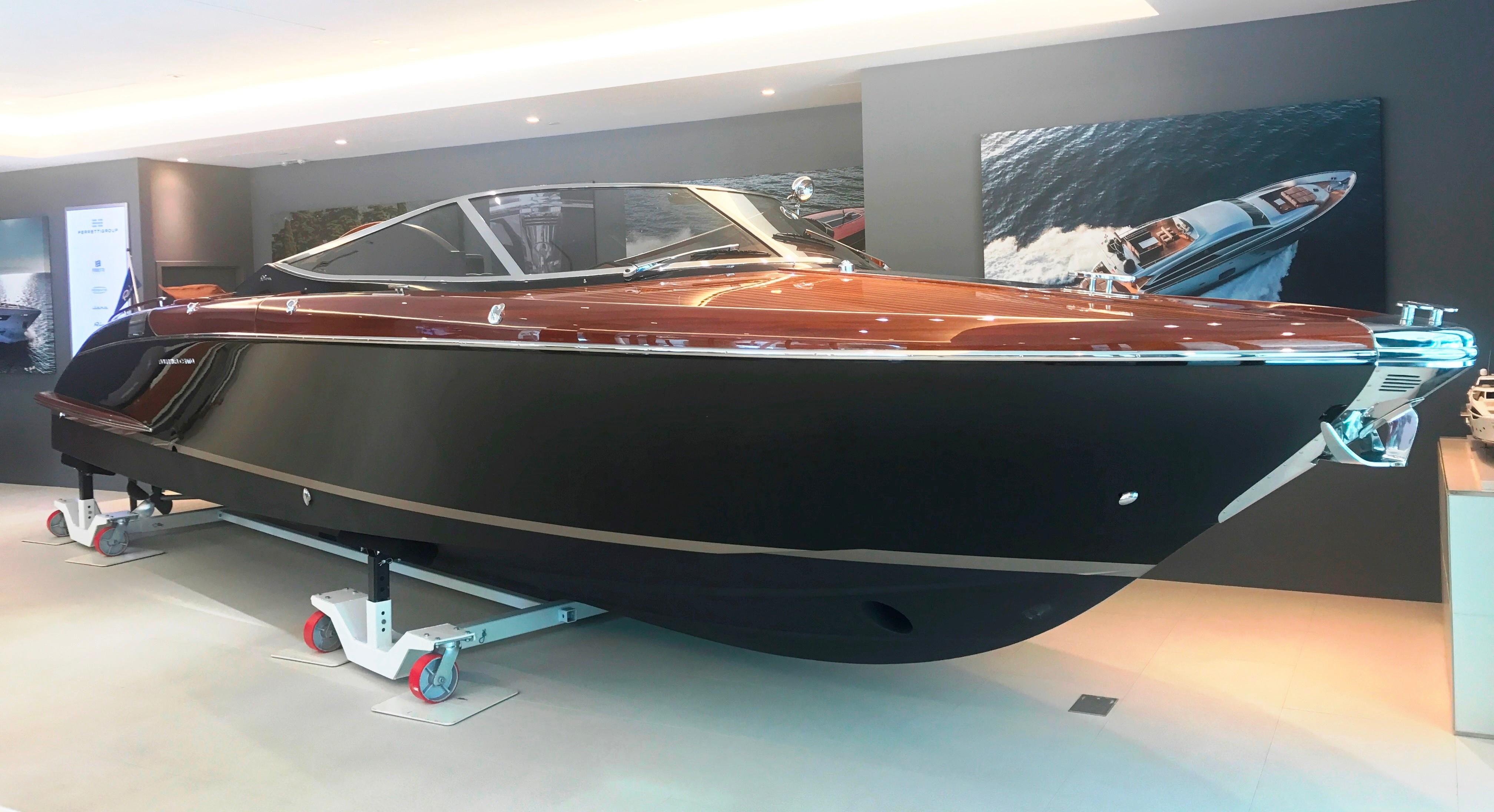 2008 Riva 33 Cento - Profile