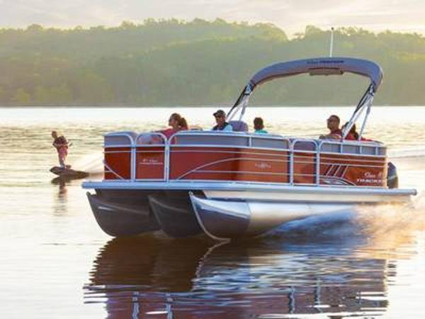 2020 Sun Tracker boat for sale, model of the boat is PARTY BARGE® 22 XP3 & Image # 1 of 1