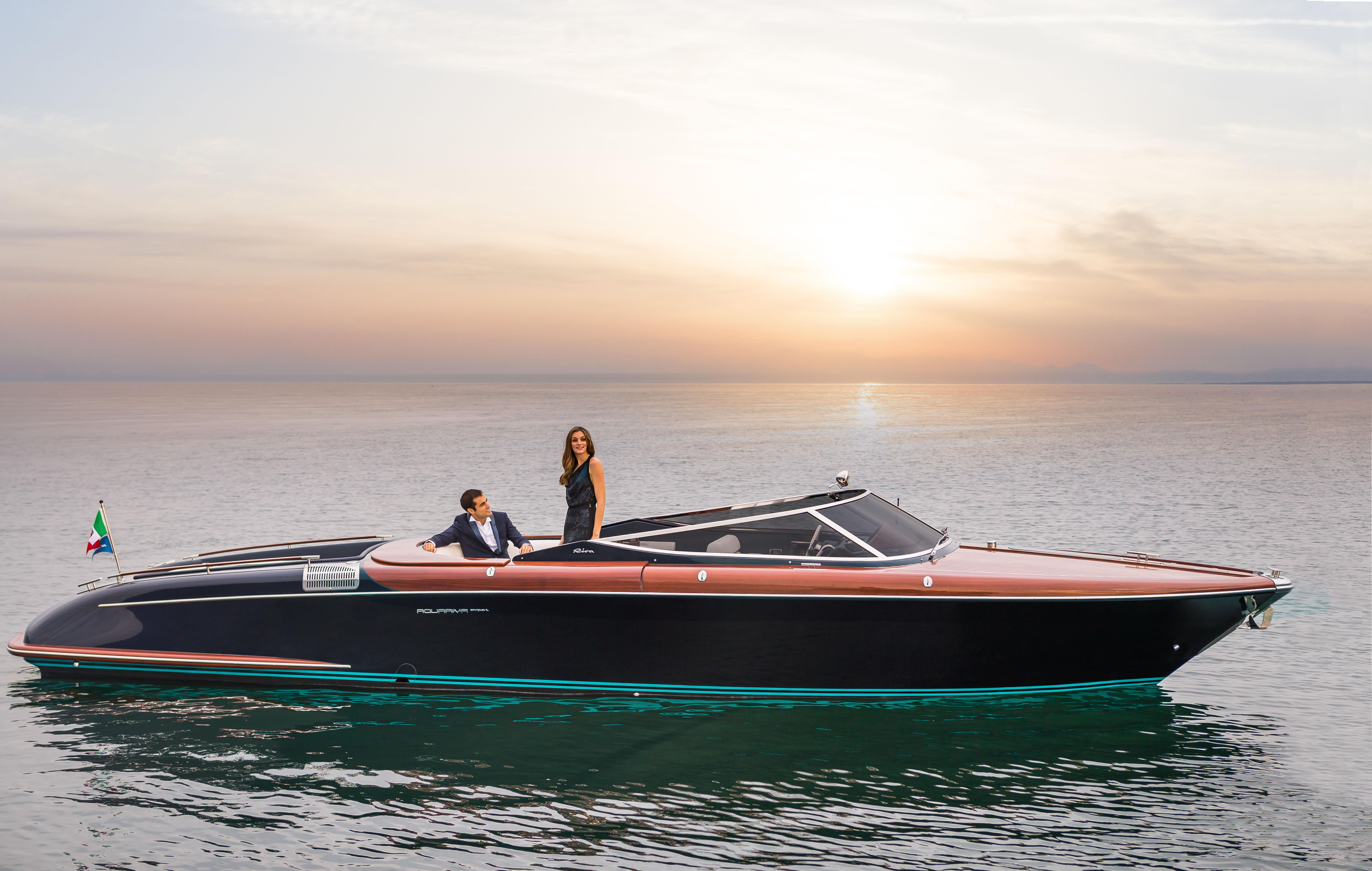 2015 Riva 33 Aquariva - Profile
