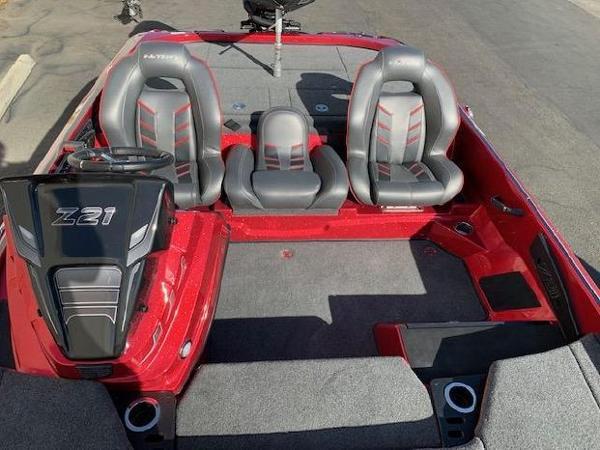 2021 Nitro boat for sale, model of the boat is Z21 & Image # 7 of 74