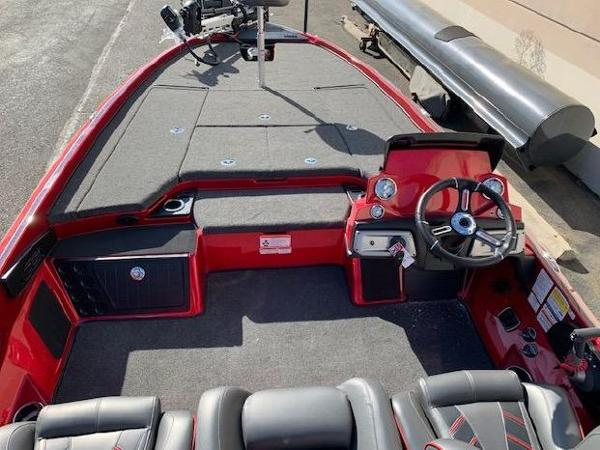 2021 Nitro boat for sale, model of the boat is Z21 & Image # 6 of 74