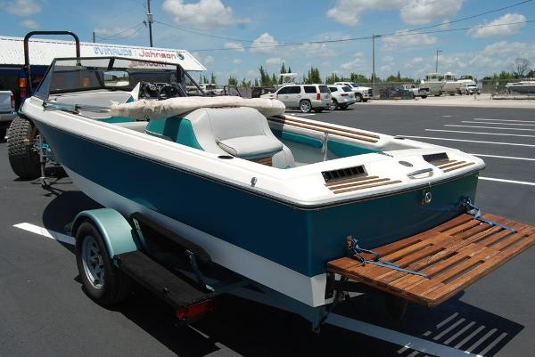 1988 Supreme boat for sale, model of the boat is 19 & Image # 2 of 12