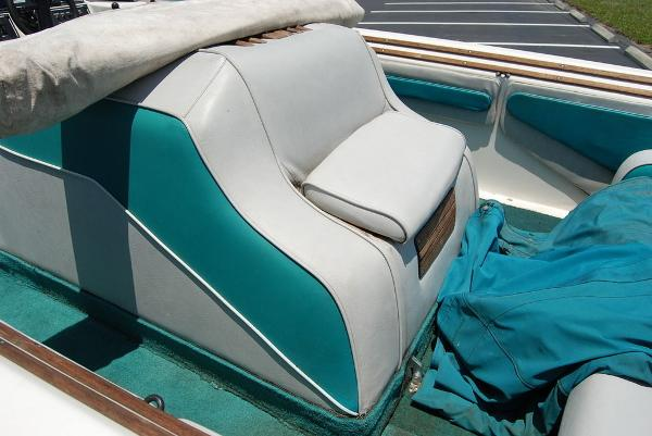 1988 Supreme boat for sale, model of the boat is 19 & Image # 8 of 12