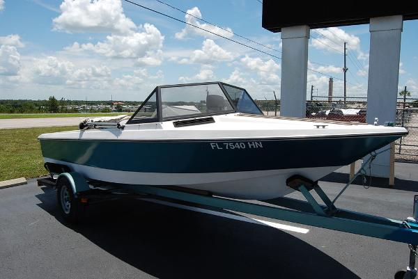 1988 Supreme boat for sale, model of the boat is 19 & Image # 11 of 12