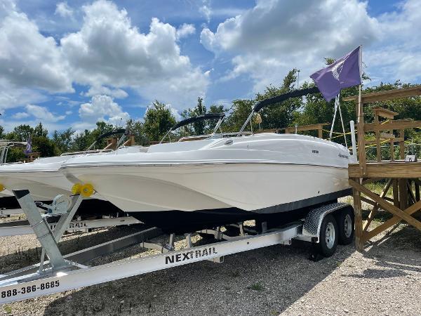 2018 Hurricane SunDeck Sport 188 OB