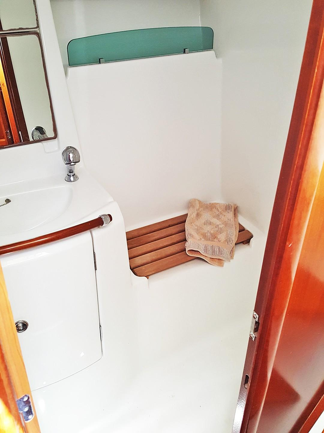 Large Stall Shower