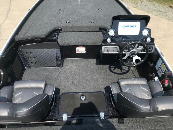 2022 Nitro boat for sale, model of the boat is Z20 Pro & Image # 8 of 12