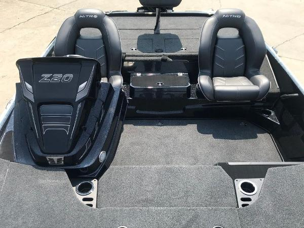 2022 Nitro boat for sale, model of the boat is Z20 Pro & Image # 12 of 12