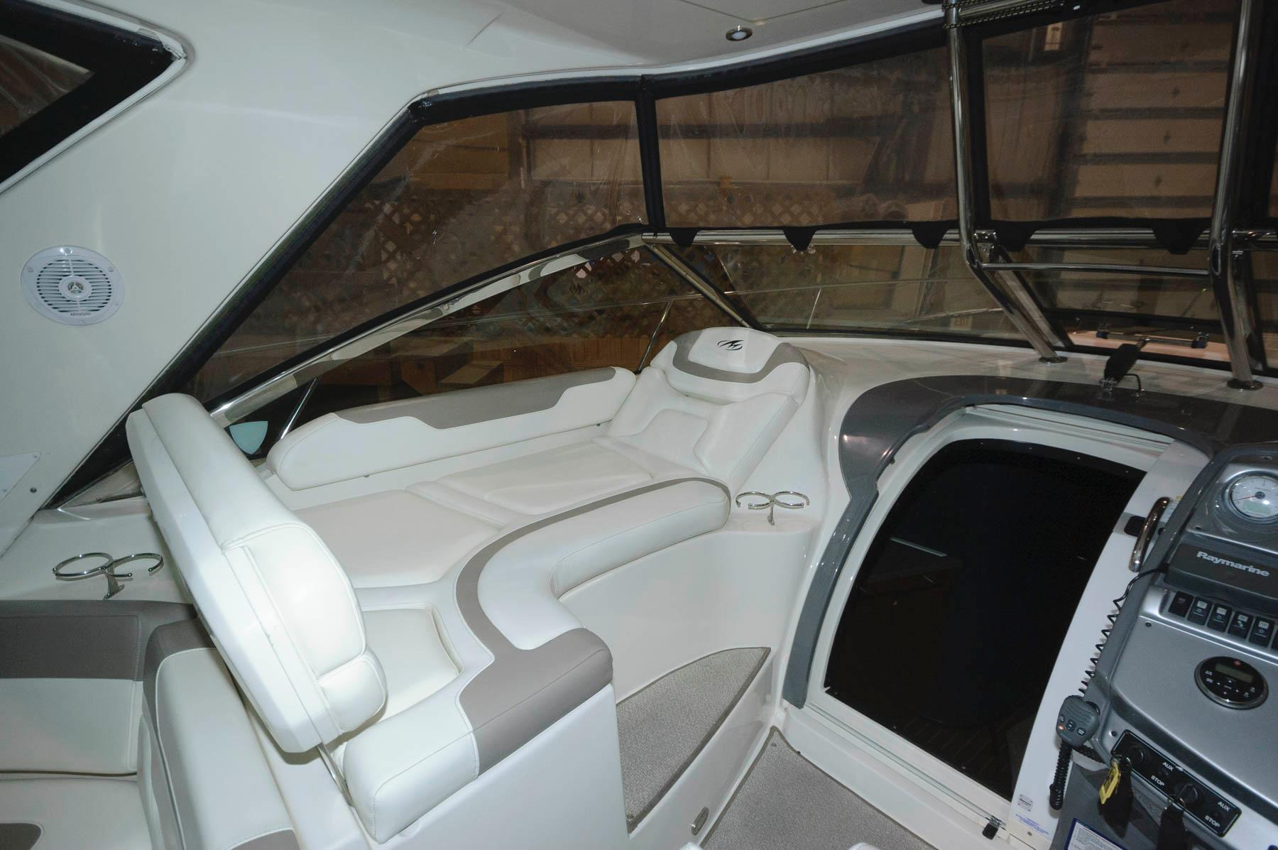 O 5927 HG Knot 10 Yacht Sales