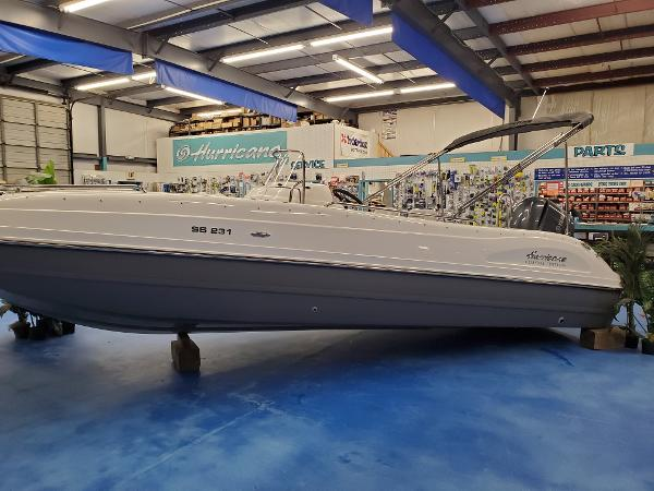 2022 Hurricane Center Console SS 231 OB