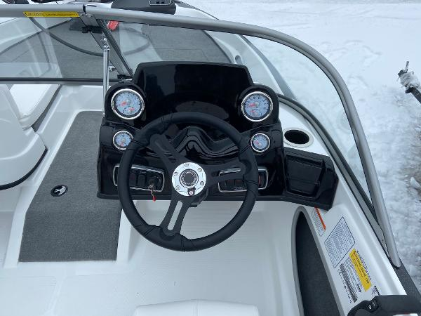 2021 Nitro boat for sale, model of the boat is Z19 Sport & Image # 8 of 13