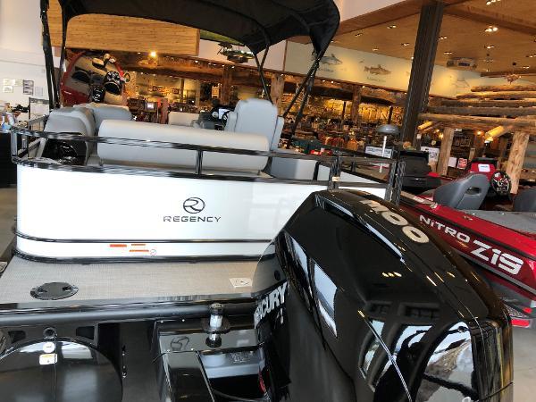 2021 Regency boat for sale, model of the boat is 250 DL3 & Image # 4 of 80