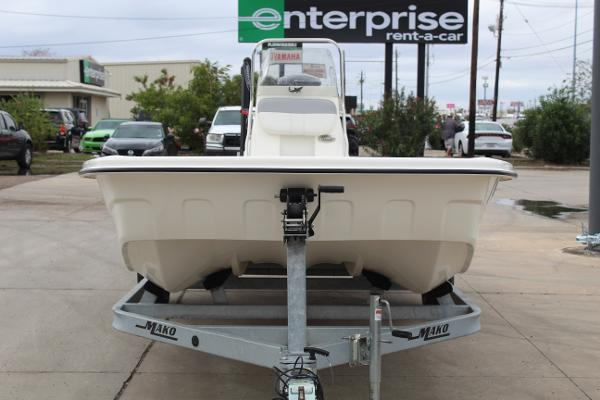 2020 Mako boat for sale, model of the boat is Pro Skiff 19 & Image # 2 of 15