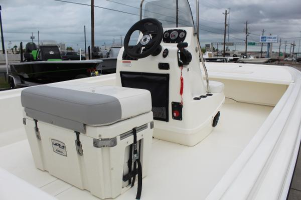 2020 Mako boat for sale, model of the boat is Pro Skiff 19 & Image # 11 of 15