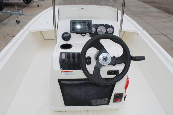 2020 Mako boat for sale, model of the boat is Pro Skiff 19 & Image # 13 of 15