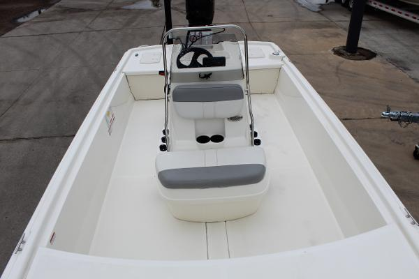 2020 Mako boat for sale, model of the boat is Pro Skiff 19 & Image # 15 of 15