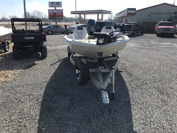 2019 Xpress boat for sale, model of the boat is X19 Pro & Image # 2 of 19