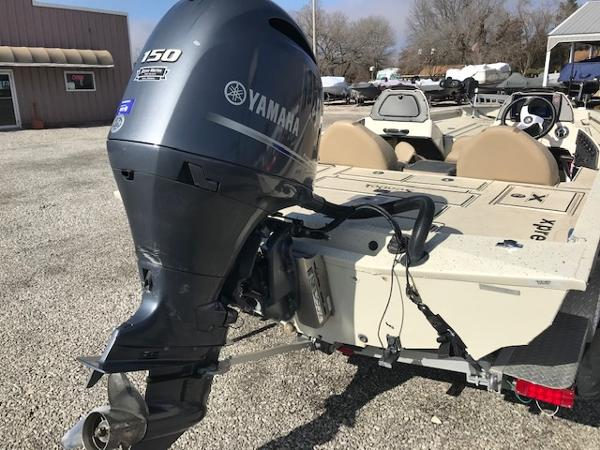 2019 Xpress boat for sale, model of the boat is X19 Pro & Image # 13 of 19