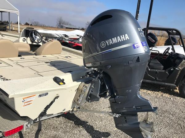 2019 Xpress boat for sale, model of the boat is X19 Pro & Image # 16 of 19