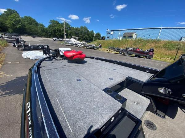 2017 Tracker Boats boat for sale, model of the boat is 21 TRX Anniversary & Image # 7 of 13