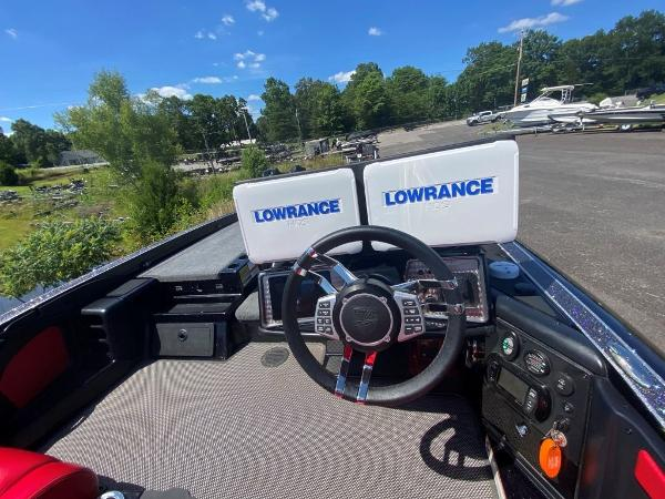 2017 Tracker Boats boat for sale, model of the boat is 21 TRX Anniversary & Image # 6 of 13