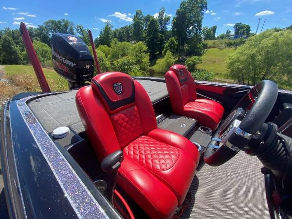 2017 Tracker Boats boat for sale, model of the boat is 21 TRX Anniversary & Image # 5 of 13
