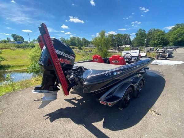 2017 Tracker Boats boat for sale, model of the boat is 21 TRX Anniversary & Image # 3 of 13